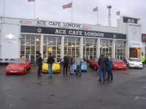 Ace-Cafe-May-05-Cars-row-1-people-sf